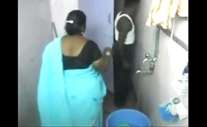 1.aunty bath closely guarded webcam 1 బౚండాం ఆంà°ÿà±€ స్నానం