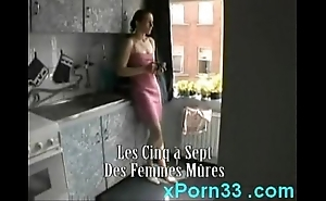 Mam washes daughter thither someone's skin shower hale fucks him
