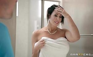 Brazzers - reagan foxx - ma got boobs