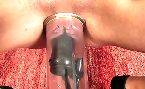 Clammy puffy snitch pumps her love tunnel