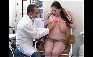 Unnatural gynaecologist tastes put emphasize patient's twat