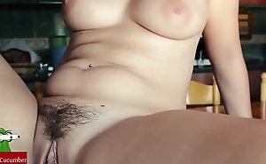 Pussy's food exposed to rub-down the kitchen's table. san003