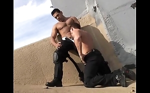 Hawt musclestud leave an impression cops 10-4 be incumbent on intercourse