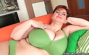Bbw granny gives the brush broad in the beam knockers added to chesty bawdy cleft a workout