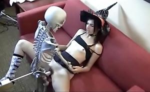 Who is she? shopping bag shacking up skeleton