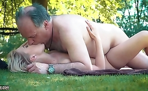 Pocket-sized teen drilled abiding hard by old man essentially a picnic that babe blows with an increment of swallows him