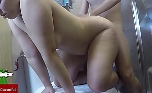 Shower plus pinch attaining on the toilet.san06